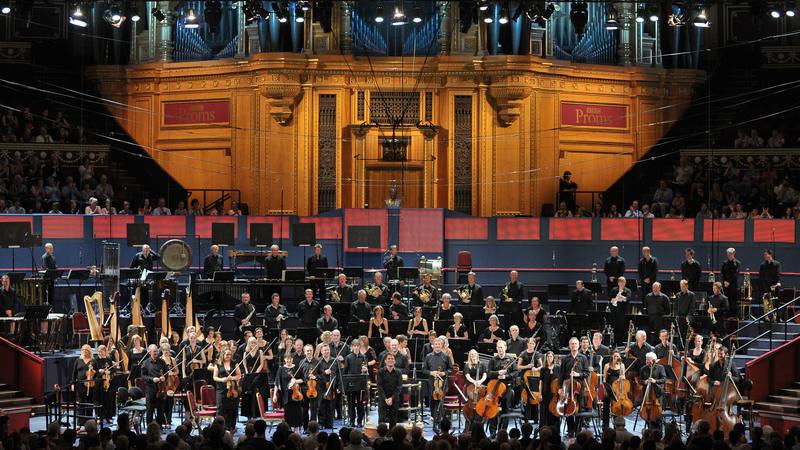 Participa en el concierto del 50 aniversario de la for Carles mesa radio nacional