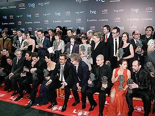 La otra cara de los Goya: emoción entre bambalinas y aplausos y abucheos en la alfombra roja