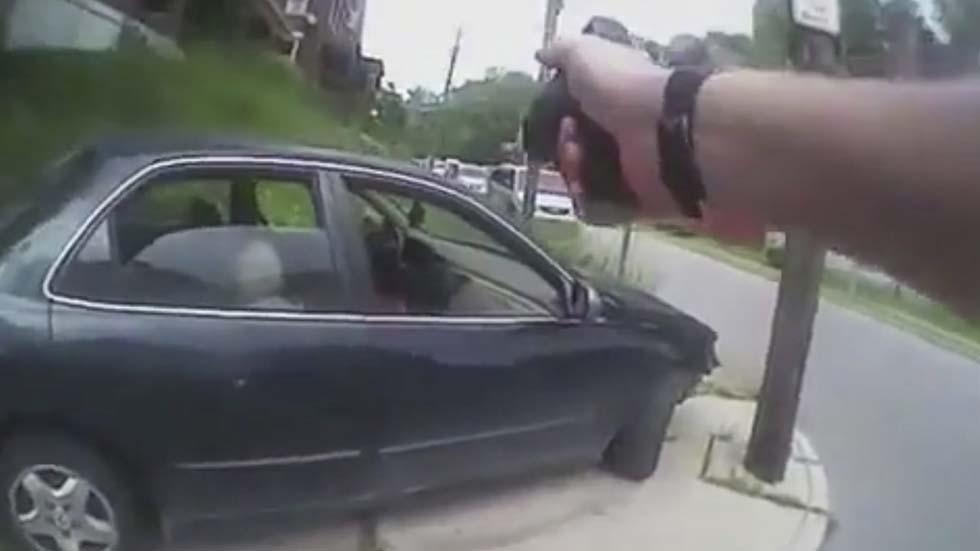 Otro policía blanco mata a un negro desarmado en EE.UU.