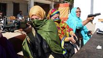 Ir al VideoPakistán autoriza a los profesores a llevar armas en clase