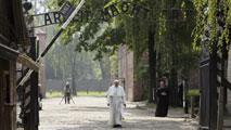 El papa Francisco visita los campos de concentración de Auschwitz y Birkenau