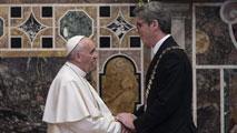 El papa recibe el premio Carlomagno
