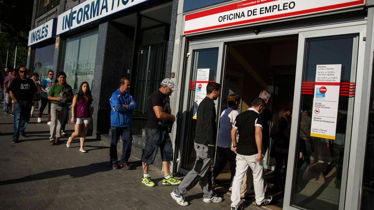 El paro sube en agosto en personas for Oficina de empleo madrid