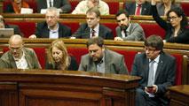 Ir al VideoEl Parlament catalán aprueba la moción de apoyo a la declaración independentista del 9N
