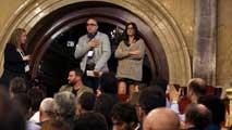 Ir al VideoEl Parlament insta al Govern catalán a revisar el protocolo por abusos y maltratos en escuelas