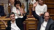 Ir al VideoEl Parlamento griego aprueba por amplia mayoría el acuerdo con los acreedores sobre el tercer rescate
