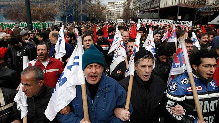 Manifestaciones en Atenas contra los ajustes que exige la 'troika'
