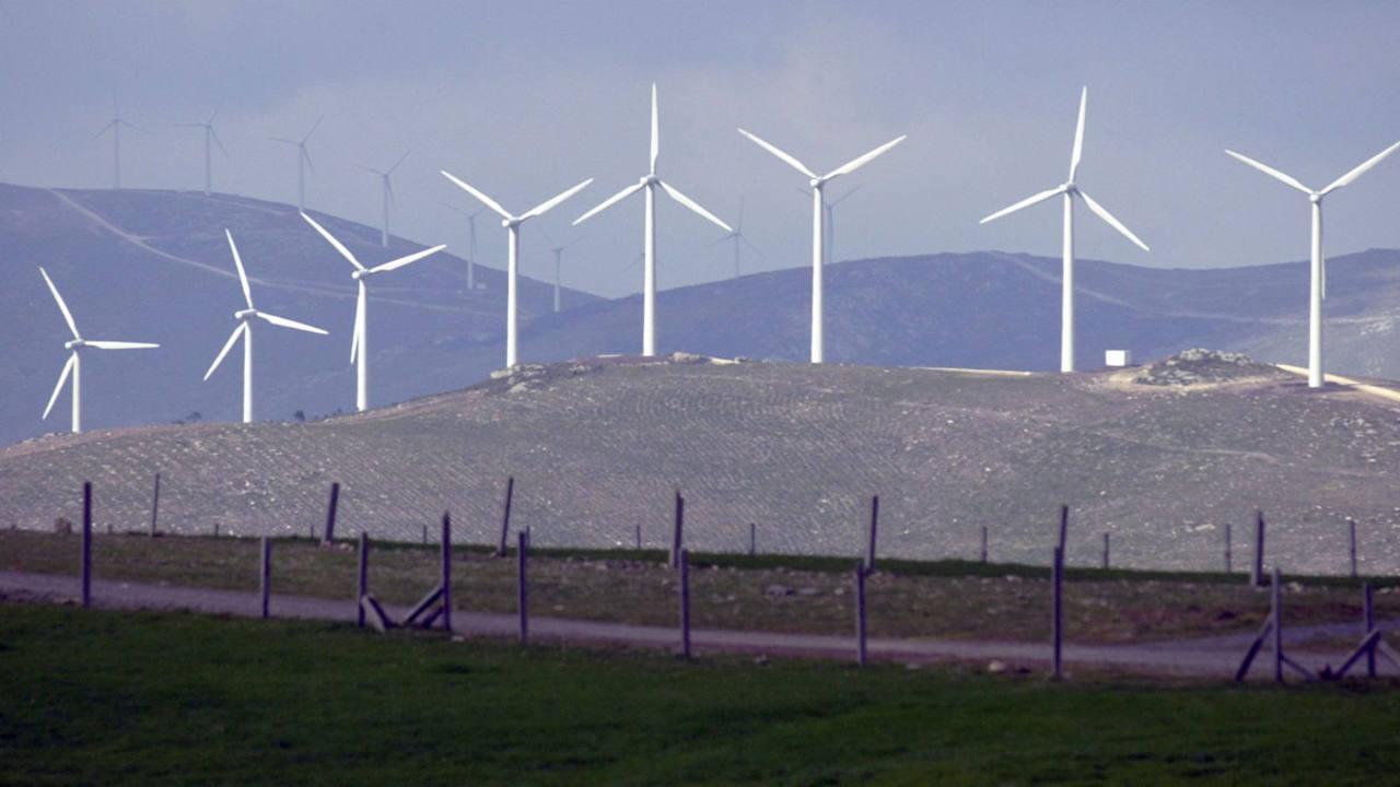 El parque eólico de Paxareiras en la localidad coruñesa de Muros