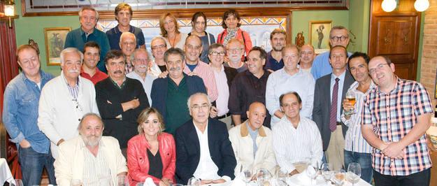 Parte de los protagonistas, participantes y miembros del equipo de 'El Ojo en la noticia' en octubre de 2014