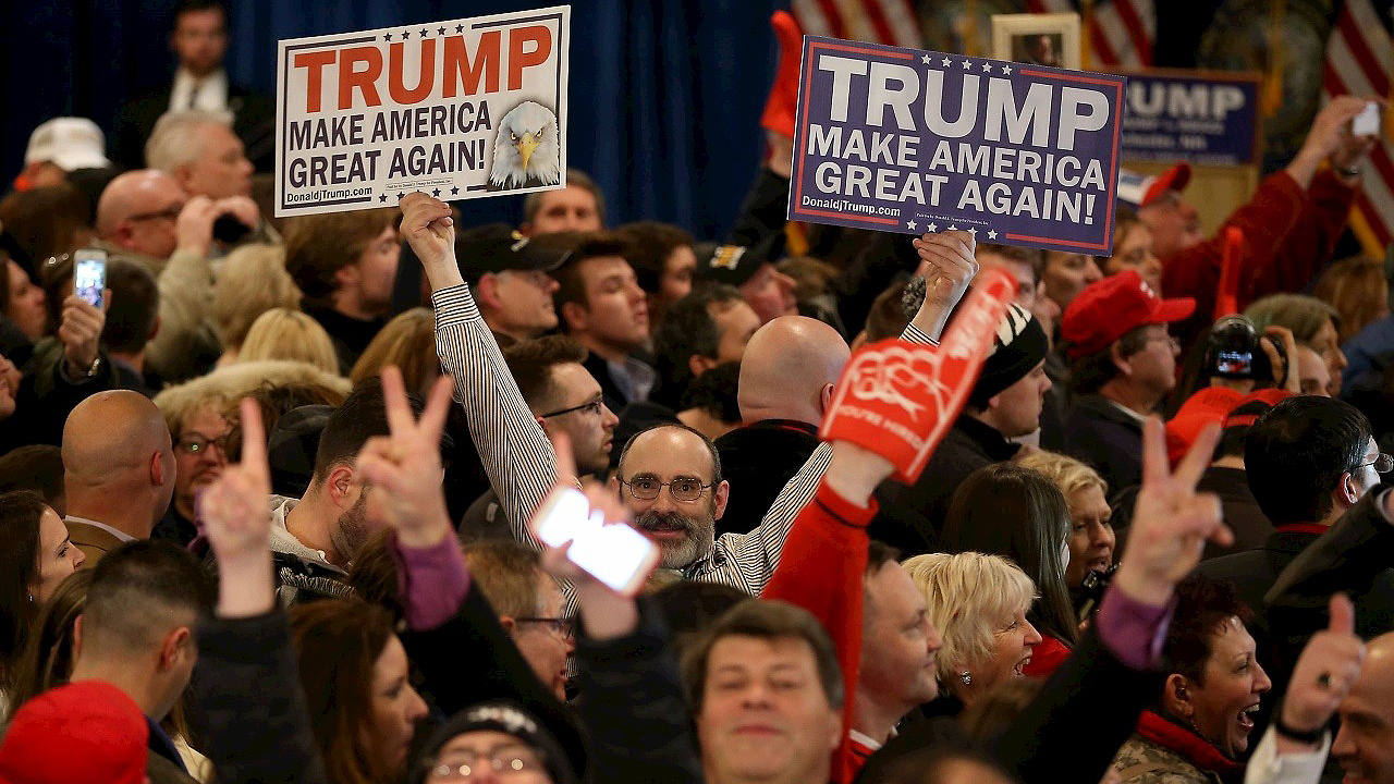 Partidarios de Donald Trump celebran su victoria en Manchester, New Hampshire. Joe Raedle/Getty Images/AFP