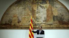 Ir al VideoLos partidos catalanes analizan el adelanto electoral pactado por Mas y Junqueras