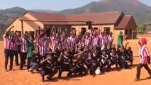 Ir al VideoLa pasión por el Athletic llega hasta Tanzania