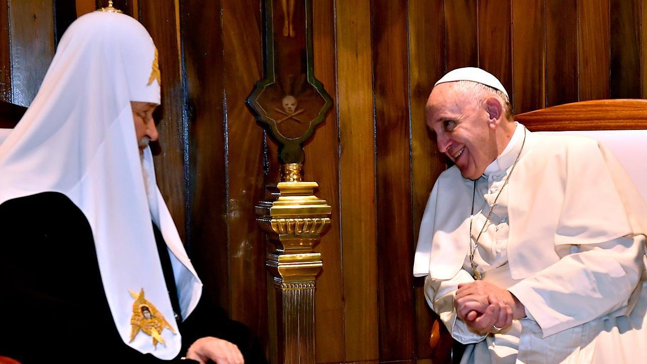 El patriarca ortodoxo Kiril y el papa Francisco, durante su histórico encuentro en La Habana