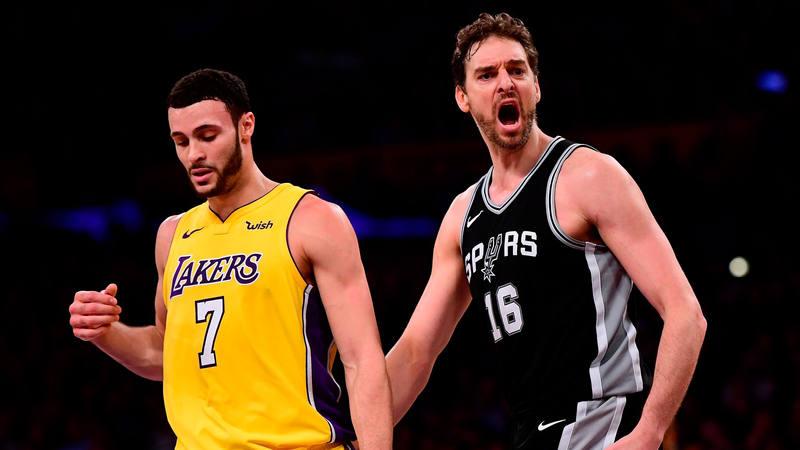 Pau Gasol ante Lakers