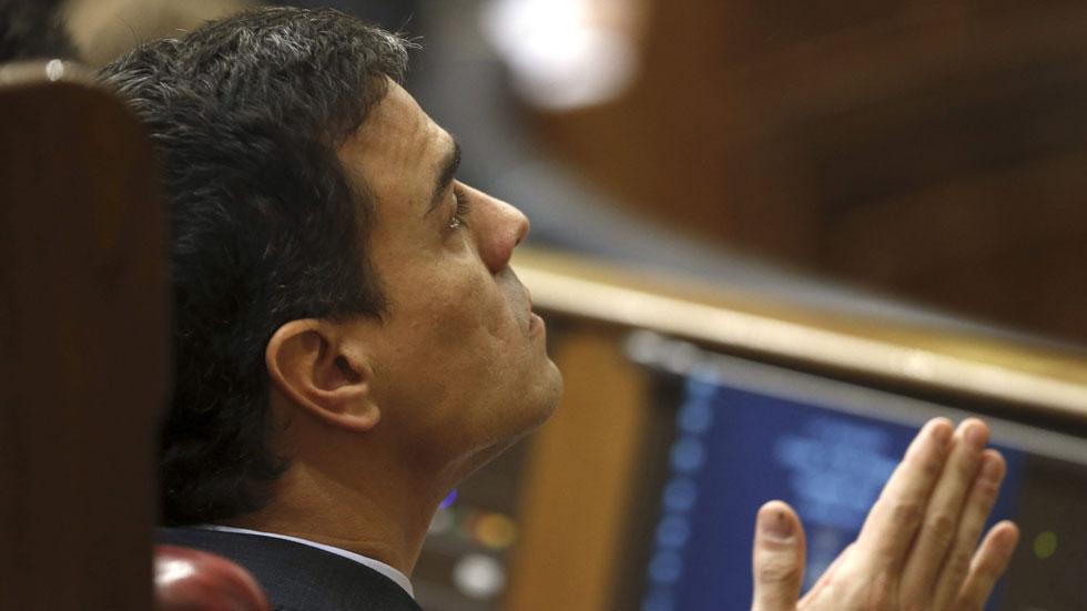 """Pedro Sánchez: la corrupción """"no afecta a todos por igual"""" y la dimisión de Mato """"apunta al PP"""""""