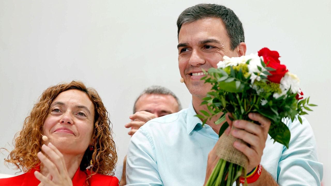 Pedro Sánchez promete reforzar los derechos de Cataluña negados por el Gobierno de Rajoy
