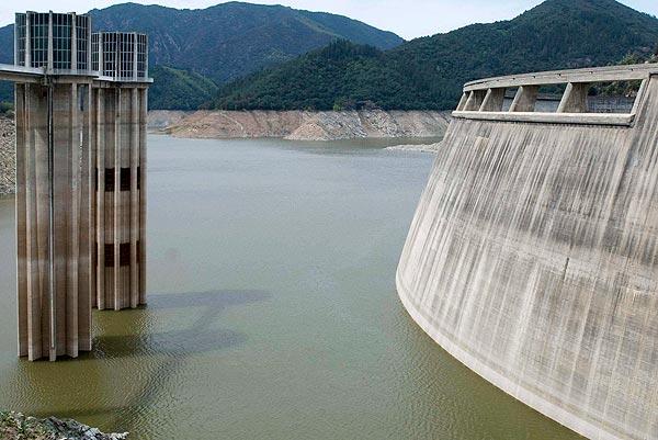Reporteros del telediario - La mitad de las reservas subterráneas de agua que hay en España llegarán al año 2015 sin cantidad ni calidad suficiente