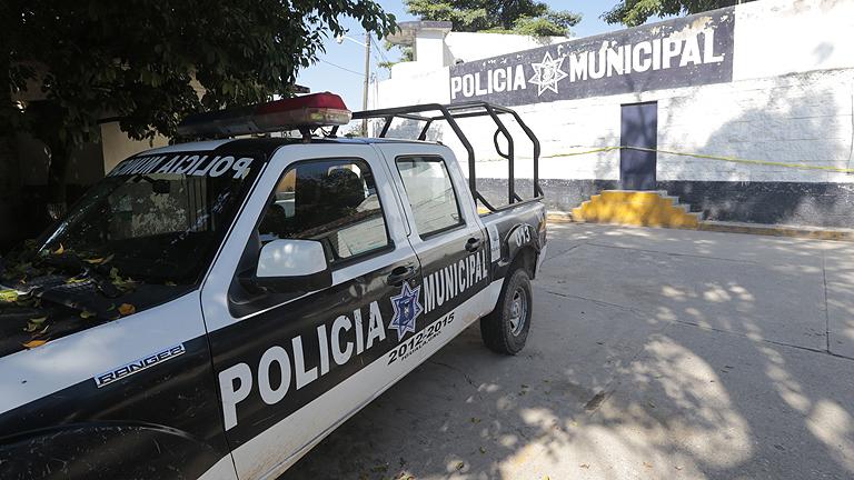 """Peña Nieto considera los ataques en Iguala """"indignantes, dolorosos e inaceptables"""""""