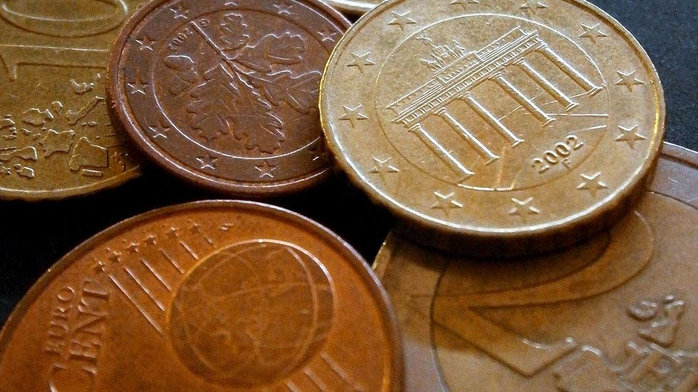 Las pensiones subirán un 0,25% en 2015 y el salario mínimo 3 euros