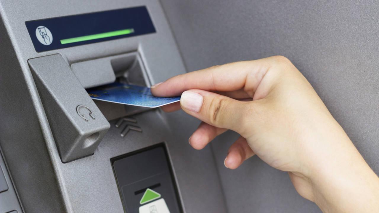 Las comisiones de los cajeros ent rate de lo que cobrar for Buscador de cajeros