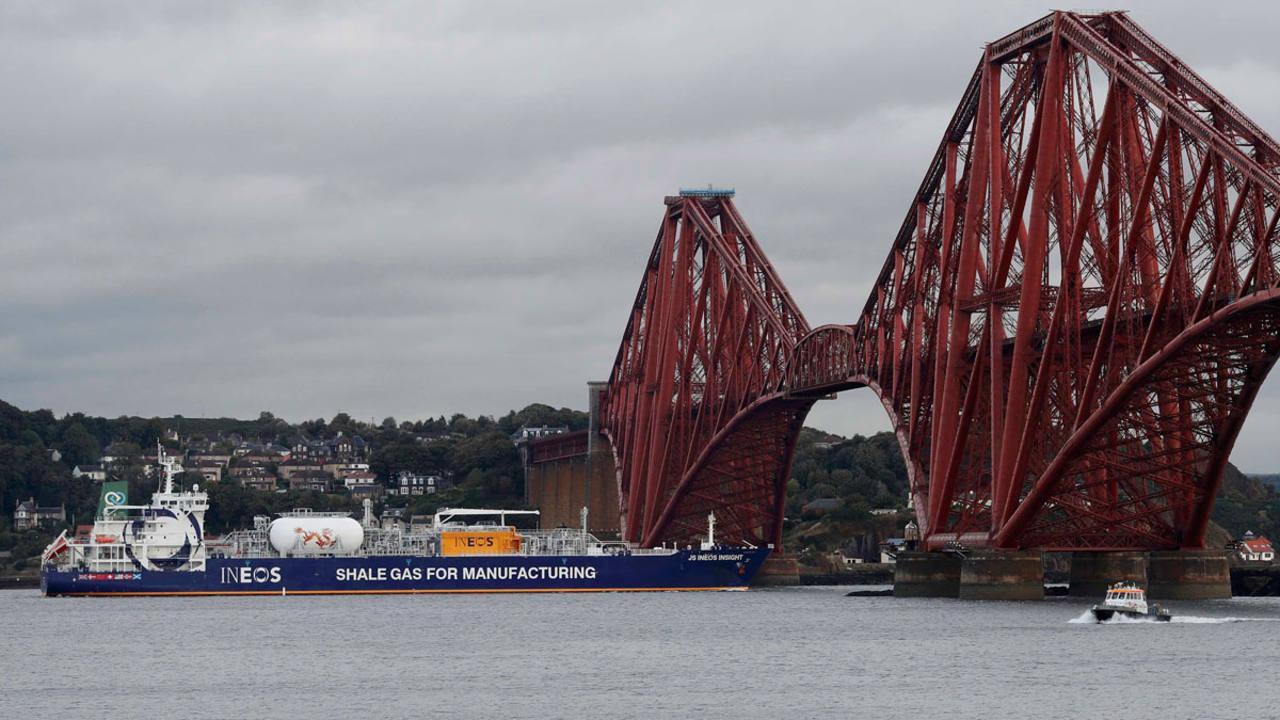 El petrolero de Ineos con gas de esquisto llega a Escocia