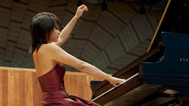 La pianista china Yuja Wang interpreta a Rachmaninov