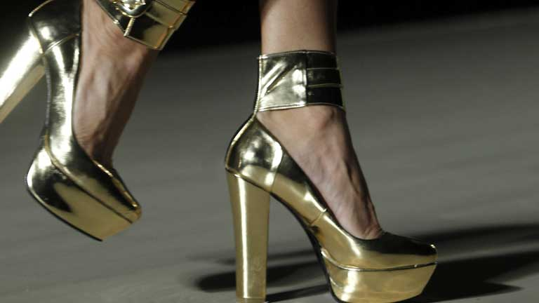 Elegir un zapato adecuado es la única forma de evitar las ampollas, las grietas y las rozaduras de verano