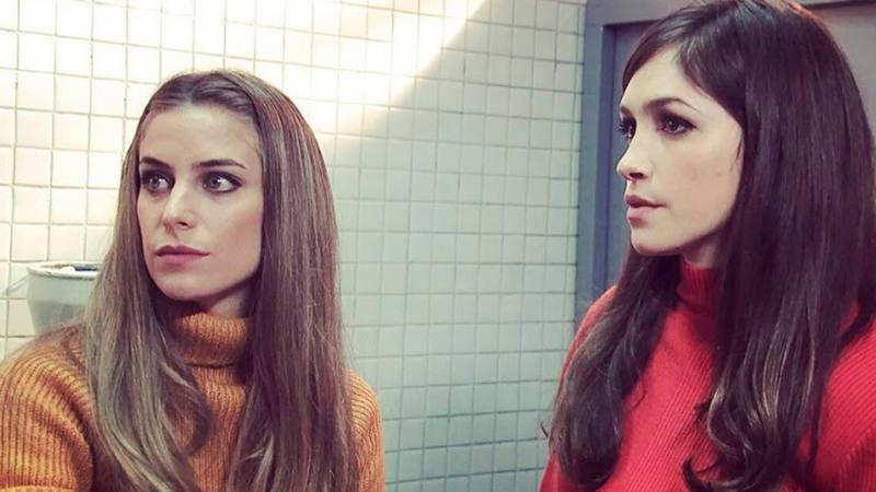 Pili e Inés en la adaptación argentina de Cuéntame cómo pasó