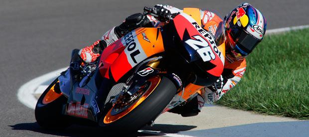 El piloto español de MotoGP Dani Pedrosa rueda en el circuito de Indianápolis.