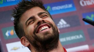 Piqué, de buen rollo con Sergio Ramos