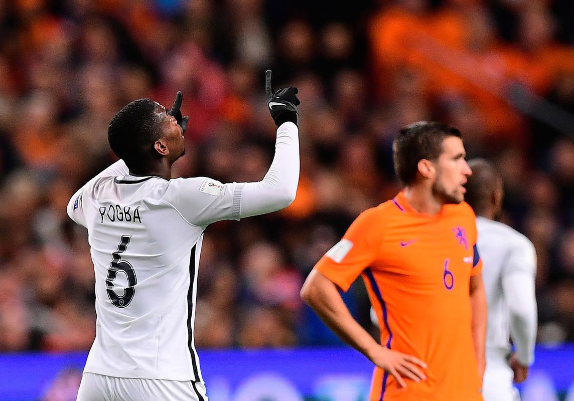 Pogba marca el primer gol frente a Holanda