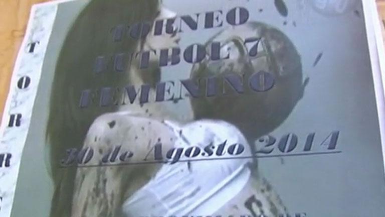 El cartel de un torneo de fútbol femenino hace saltar la polémica en Granada