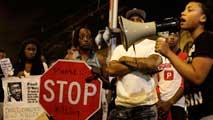 Ir al VideoPolémica en Chicago por la muerte de un joven detenido tras ser tiroteado y grabado por la policía
