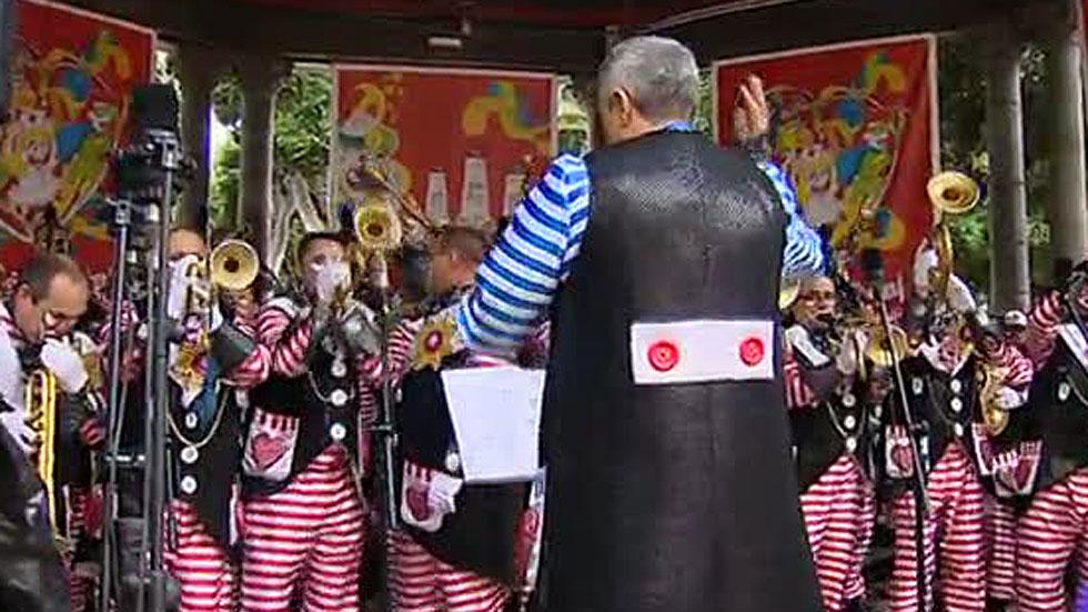 Retiran una murga del carnaval de Tenerife por considerarla homófoba