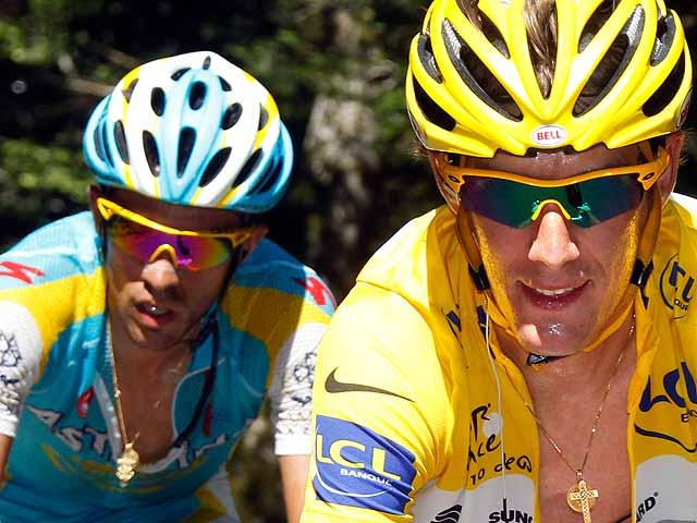 Polémica en torno a Contador y Schleck