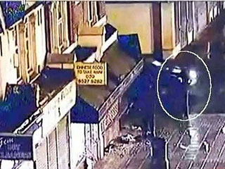 Un policía, atropellado en los disturbios en Londres