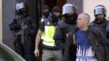 Ir al VideoLa Policía desarticula en Madrid una supuesta organización de reclutamiento de yihadistas