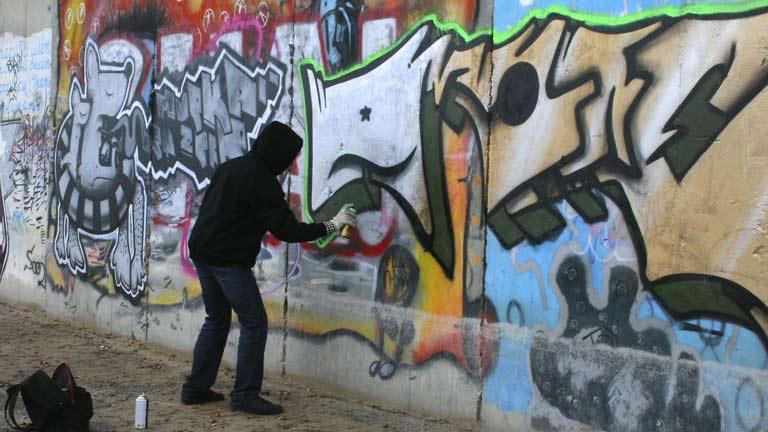 La policía detiene a 10 miembros de uno de los grupos de grafiteros más activos