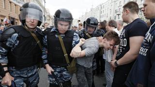 La policía detiene al opositor Navalni y a más de medio millar de manifestantes en las protestas contra el Kremlin