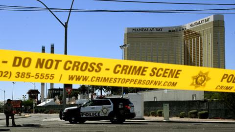 Ir al VideoLa policía investiga los motivos que llevaron a Stephen Paddock a disparar contra la mutlitud en Las Vegas