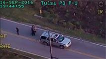 Ir al VideoLa Policía mata a tiros a un hombre negro desarmado al que se le había averiado la camioneta en Tulsa
