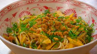 Torres en la cocina - Pollo marinado con fideos de arroz