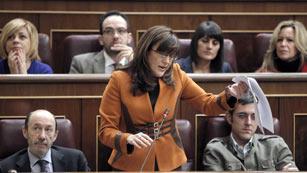 La portavoz socialista y la portavoz del Gobierno se enzarzan por los presupuestos y las protestas estudiantiles