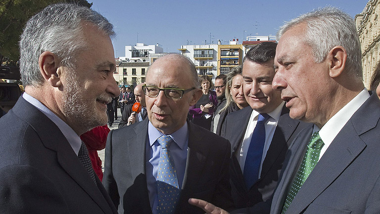 El CIS pone al PP al borde de la mayoría absoluta en Andalucía
