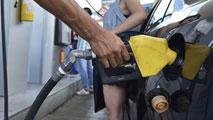 Ir al VideoEl precio de la gasolina baja un 12% y el del gasóleo un 17% en el último año