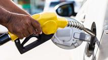Ir al VideoLos precios del diésel y la gasolina siguen bajando