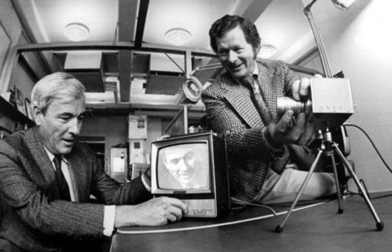 Kao, Boyle y Smith ganan el Premio Nobel de Física 2009