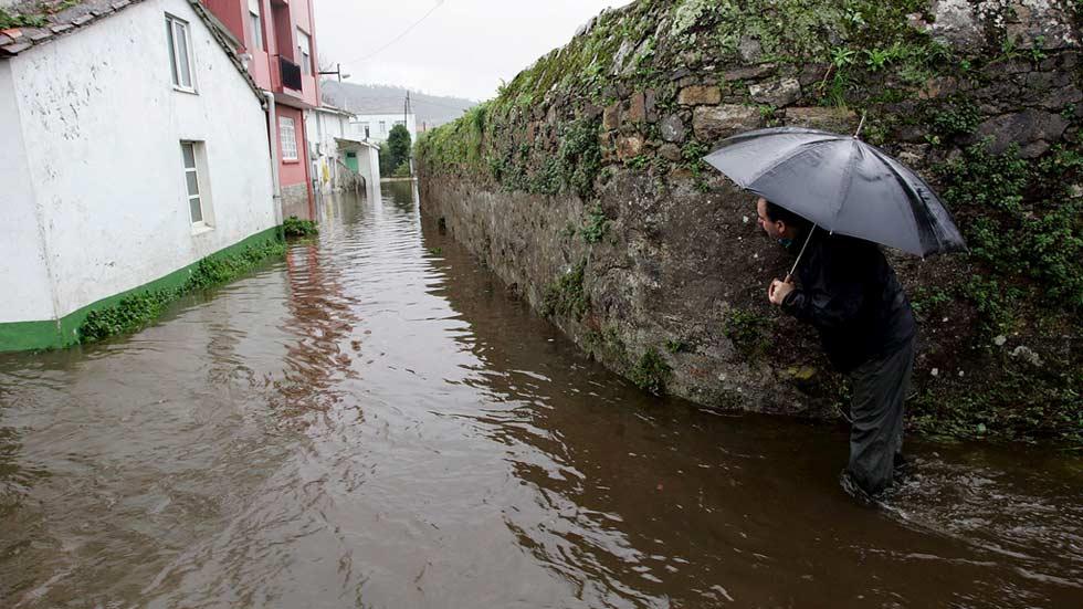 Preocupación en Galicia por los desbordamientos y las inundaciones mientras el tiempo sigue empeorando