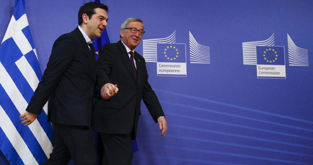 El presidente de la Comisión Europea, Jean Claude Juncker, junto al primer ministro griego, Alexis Tsipras