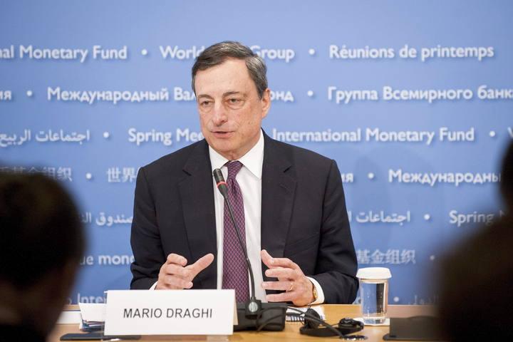 El presidente del Banco Central Europeo, Mario Draghi, en rueda de prensa durante las reuniones de primavera del FMI y el Banco Mundial.